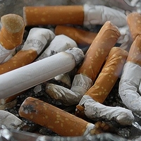 Junger Raucher