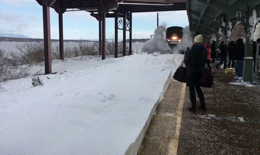 Schnee am Bahnsteig